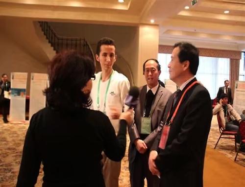 公司董事长与哈萨克客户交流